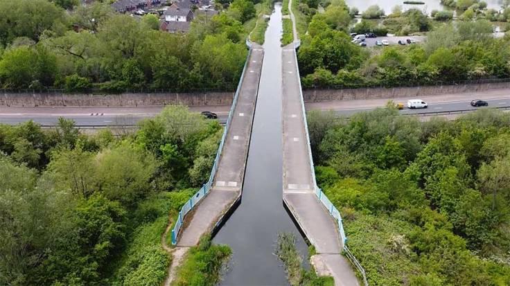 Ash Aqueduct on The Basingstoke Canal